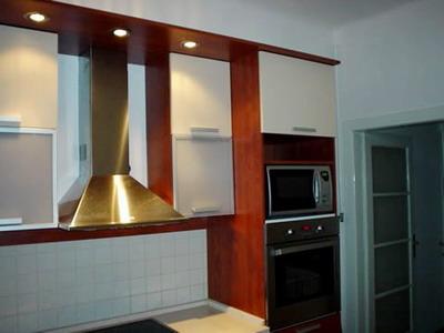Kuhinja u dve boje