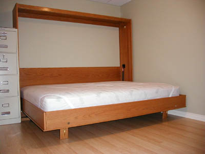 Zidni krevet sa fiksnim nogama