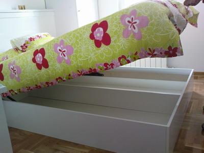 Krevet sa magacinom za odlaganje stvari
