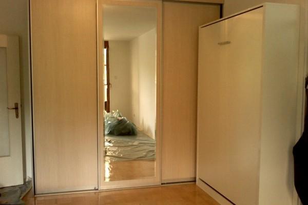 Plakar sa kliznim vratima