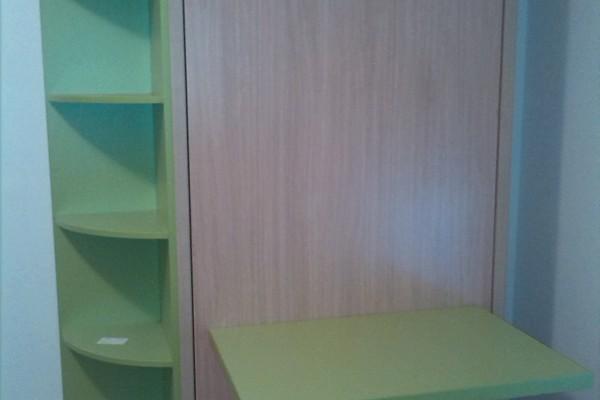 Zidni krevet sa sklopivim stolom
